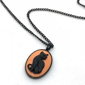 🆕Black & Orange Halloween Cat Cameo Necklace